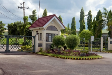 Entrace-Gate-Crystal-Aire-Gen-Trias-Cavite-Futura-Homes-by-Filinvest